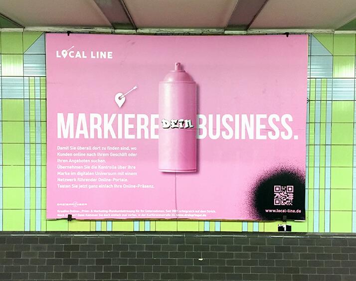 Kampagne Local Line - U-Bahn Plakat. Rosa Spraydose auf rosa Hintergrund - Markiere dein Business!
